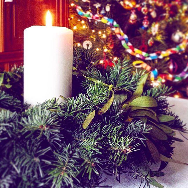 ✴  #home #xmas #christmas #purejoy #familytime #handmade #diy #stroik #candle #christmastree #bańki #retro #choinka #sosna #pinus #jemioła #nature #natural #sacredplants #light