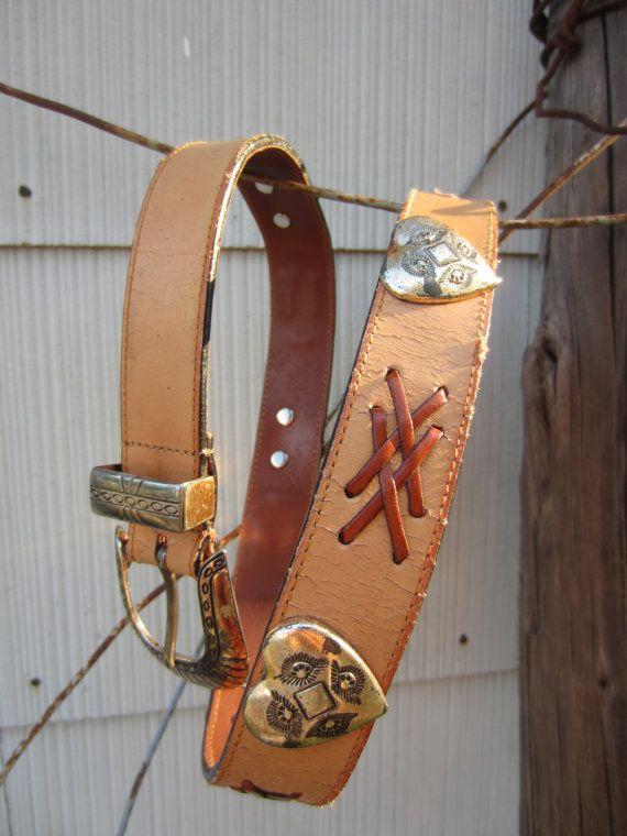 90s Distressed Navasota Sweetheart Western Belt, 28-33 in, 72-84 cm // Vintage Creamy Tan Cowgirl Belt