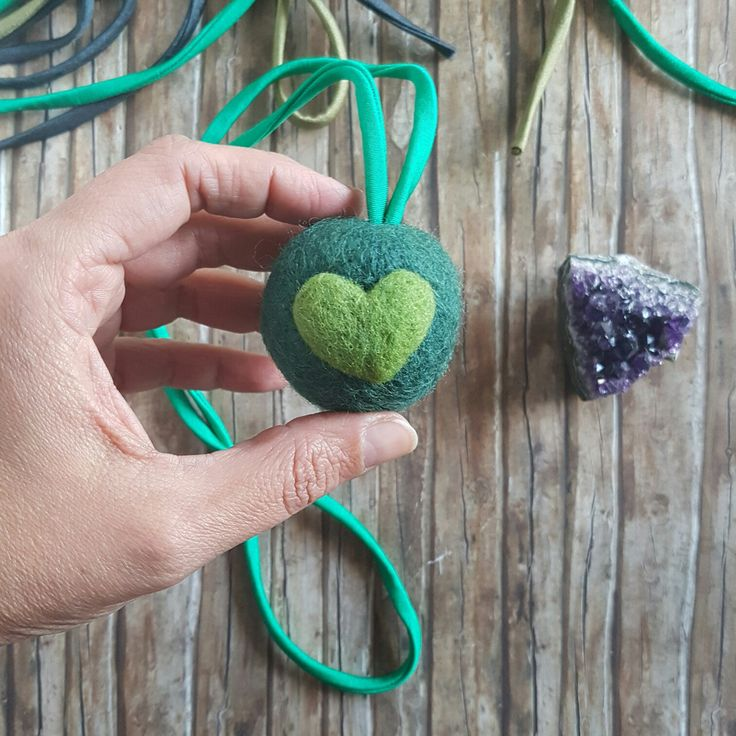 Custom made Pomponcina necklace, the perfect gift for stressed women. Crafted with organic Swiss wool with lavender essence, squeezable and relaxing! By Claudia Nanni Fine Art on Etsy #pompom #felt #necklace #relax #gift #etsy #handmade #ecofriendly