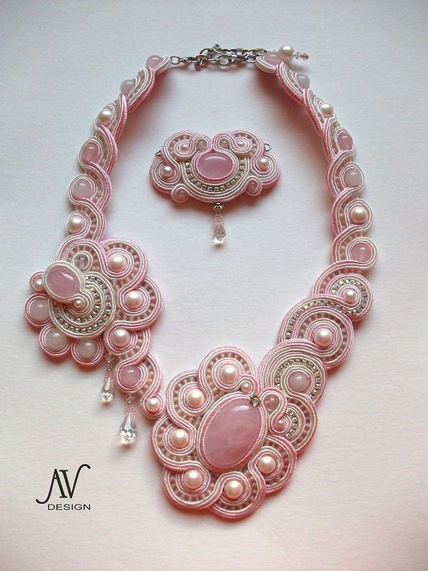 Anneta Valious https://www.pinterest.com/beadt/soutache-necklaces-and-sets-2/