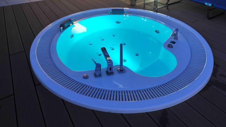 Ideal Puristische Whirlpool passt perfekt zu ebenso puristischen Wellnessbereichen und Anlagen wie der kubistischen Arc u Pinterest