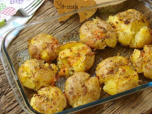 Fırında Baharatlı Çatlak Patates Resimli Tarifi - Yemek Tarifleri