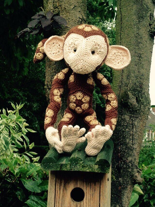 Amigurumi African Flower Monkey ❥ 4U hilariafina  http://www.pinterest.com/hilariafina/