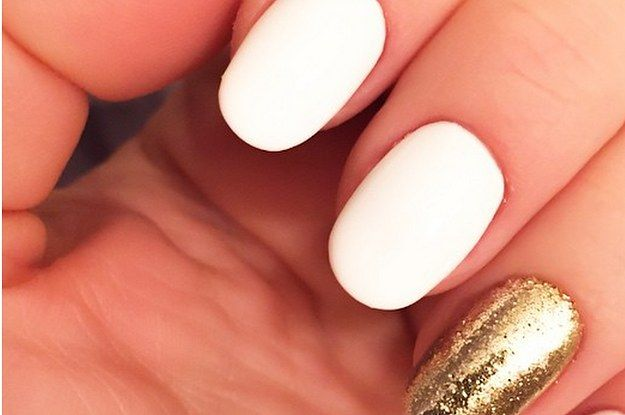 Shine bright like a diamond accent nail.   23 Gorgeous New Year's Eve Nails You Need To Try