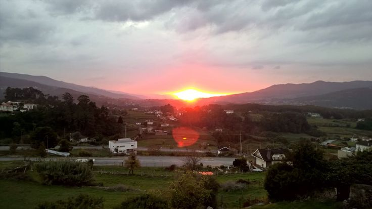 Sunset over the Minho valley. Vinho Verde wine country with Galicia on the other side of the Minho river. #melgaco #alvarinho #vinhoverde #portugal