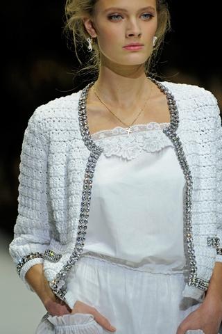HAUTE COMMODITIES: Crochet on the Runway; Dolce & Gabbana