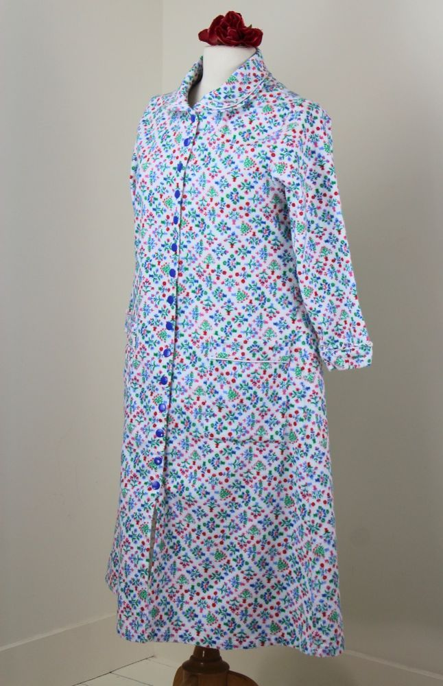d09632675e Lanz of Salzburg Flannel Short Robe S Blue White Floral Snap Front  Excellent  LanzofSalzburg
