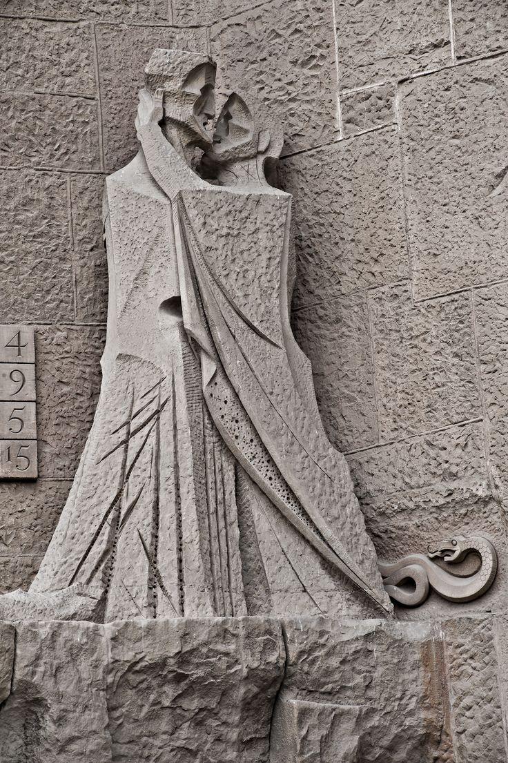 Façana Passió, Fachada Pasión, Passion Façade | Basílica de la Sagrada Família