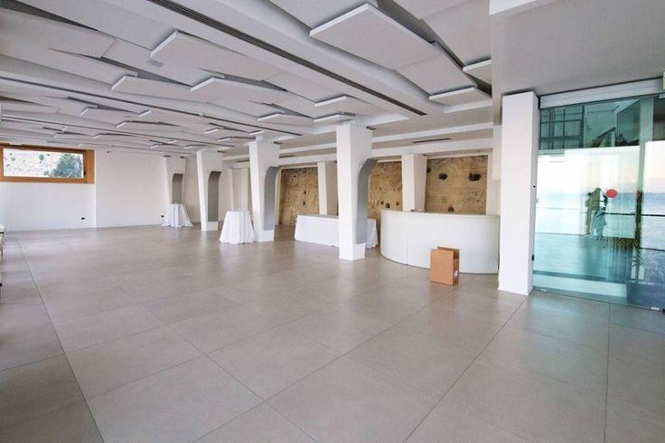 Una sala più ampia e luminosa nella nuova location di #PalazzoPetrucci presso #PalazzoDonnAnna , luogo incantevole! #tasty