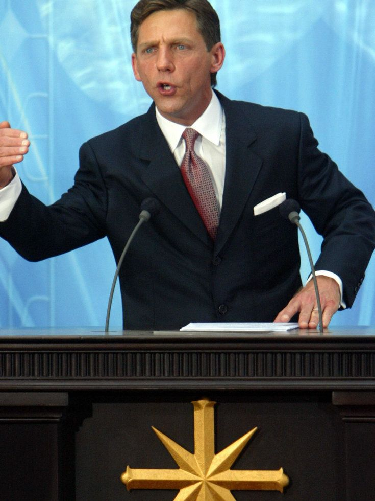 Scientology Leader David Miscavige's Father To Write Tell-All Book