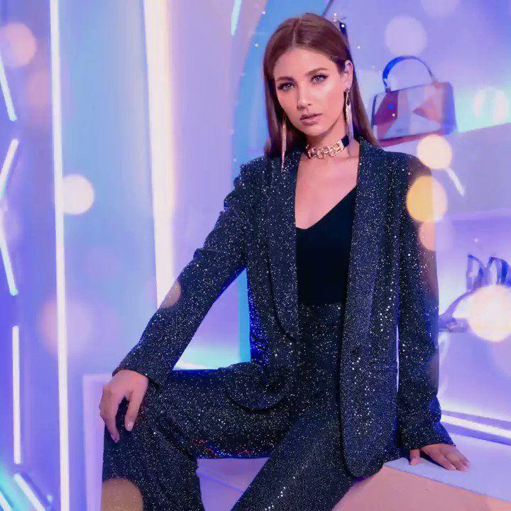 إطلالات عروض 11 11 من شي إن بليزر بياقة ملفوفة بترتر وبنطال بأرجل واسعة من أسفل للتسوق انقروا على الرابط الشرق الأوسط فاشن ش Fashion Women S Blazer Blazer