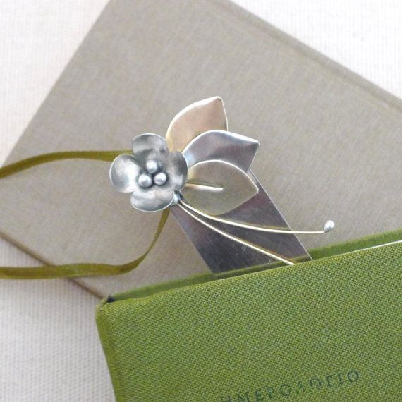 Bookmark flower and leaves,metal sculpture figure,desk accessory,handmade sculpture ornament,sculpture art,elegant gift idea