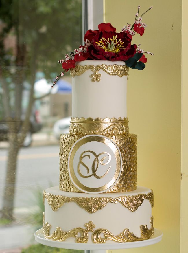 A Variety of Creative and Elaborate #Wedding Cakes. To see more: http://www.modwedding.com/2013/10/12/creative-and-elaborate-wedding-cakes #weddingcakes