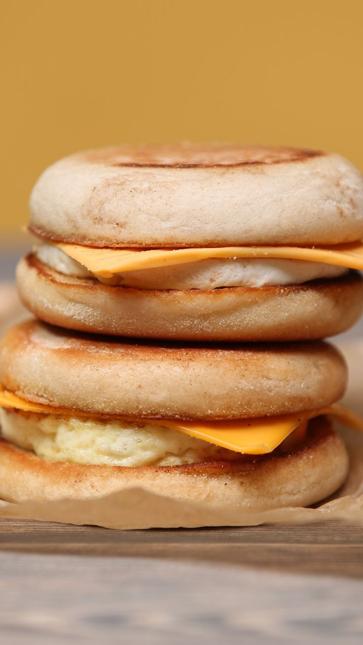 Muffins eggs sandwich