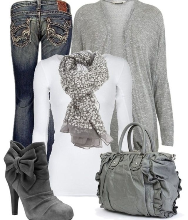 Love this monochromatic look and the boots are super cute