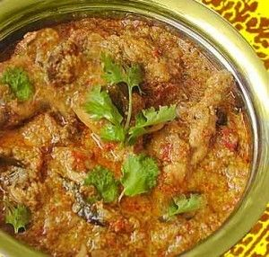 Harey Masaley Ki Chicken recipe. Chicken seasoned with corriander and green chillied and then cooked with flavorsome spices. Posted by Bobo.