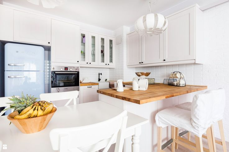 Połączenie bieli i dębu - zdjęcie od Decoroom - Kuchnia - Styl Skandynawski - Decoroom
