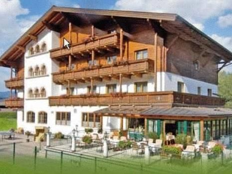 Flachau Hotel Montanara Austria, Europe Located in Griessenkar, Hotel Montanara is a perfect starting point from which to explore Flachau. Featuring a complete list of amenities, guests will find their stay at the property a comfortable one. To be found at the hotel are Wi-Fi in public areas, car park, family room, restaurant, elevator. Television LCD/plasma screen, heating, balcony/terrace, satellite/cable TV, refrigerator can be found in selected guestrooms. Take a break fro...