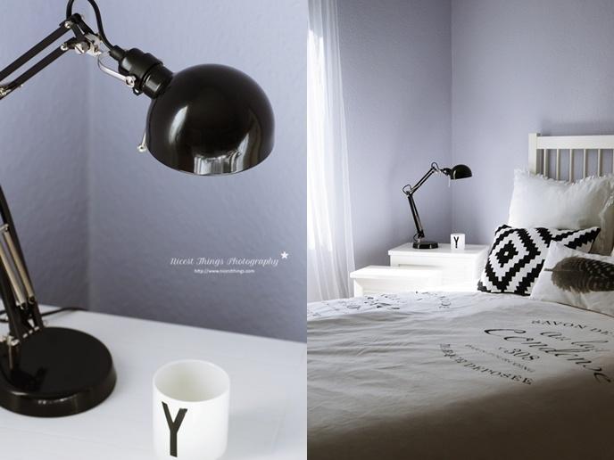 Nordic Style Bedroom - graulavendelblaue Wand. Schlicht und schön.