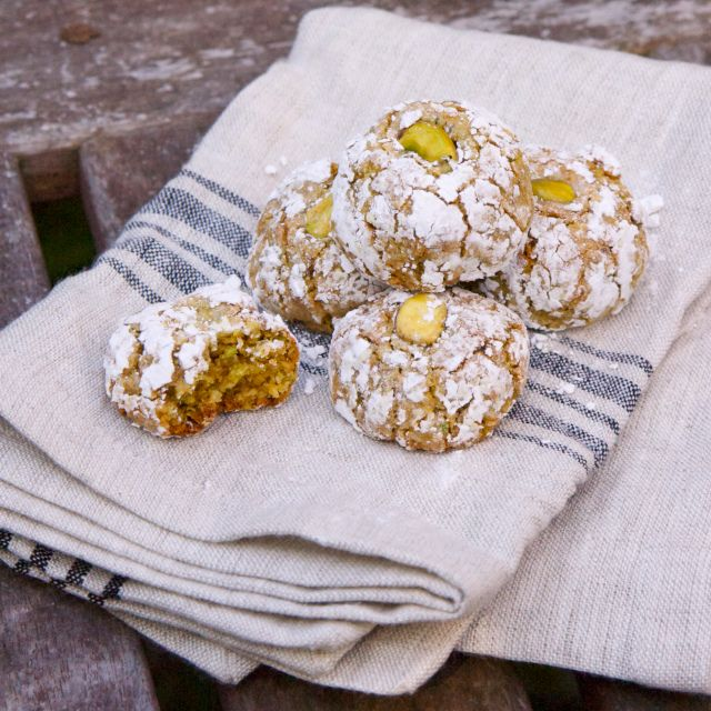 Sicilian Pistachio Cookies. Italian Cookie Recipes are the crown jewels of Italian confections. Get more info on different kinds of Italian cookies and Italian cookie recipes: http://www.cookie-elf.com/italian-cookie-recipes.html