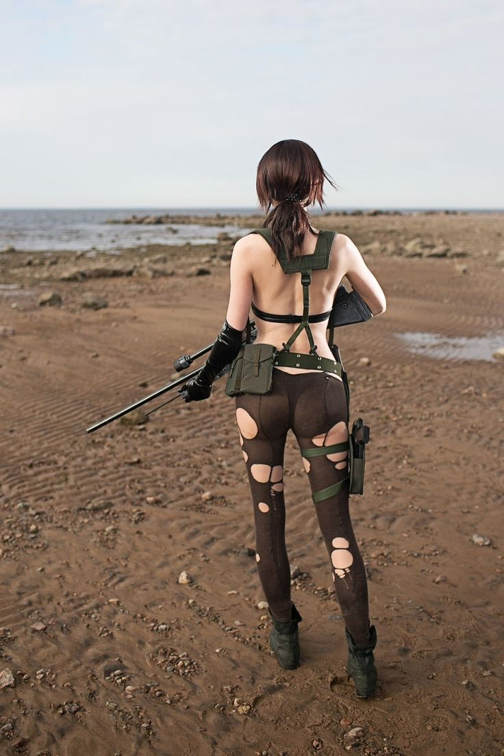 Cosplayer: Tniwe /  Character : Quiet /  Series : Metal Gear Solid V /  Photo: Aku 悪 https://www.facebook.com/tniwe/ - https://www.facebook.com/mouryounohako/