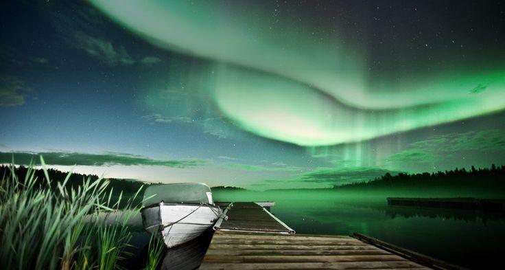 Aurora borealis over Vee Lake near Yellowknife, Canada (© Michael Ericsson/Getty Images)(Bing United Kingdom)