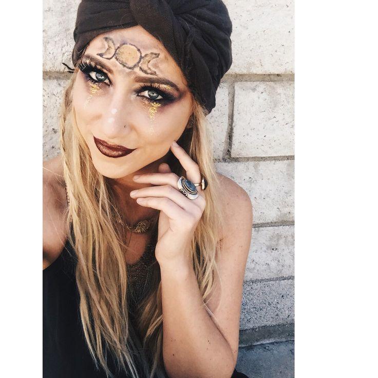 Gypsy fortune teller Halloween costume, makeup idea