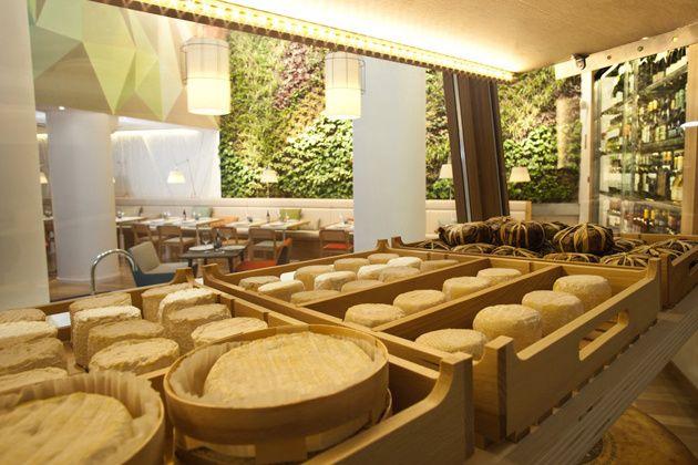 Interior del Cheese Bar, Madrid, por Pasquale Caprile
