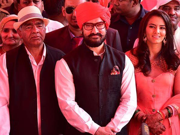 Aamir Khan dodges diet, relishes makki di roti and butter at Geeta Phogat's wedding
