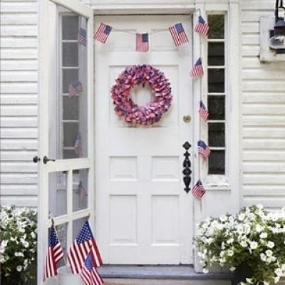 Wreaths!!: Idea, Fourth Of July, Patriots Decor, Flags Wreaths, Front Doors, 4Th Of July, July 4Th, Flags Garlands, Parties Decor