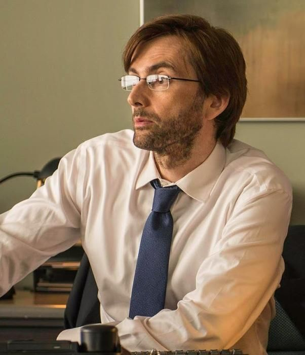 New promo photo of David Tennant in #Gracepoint
