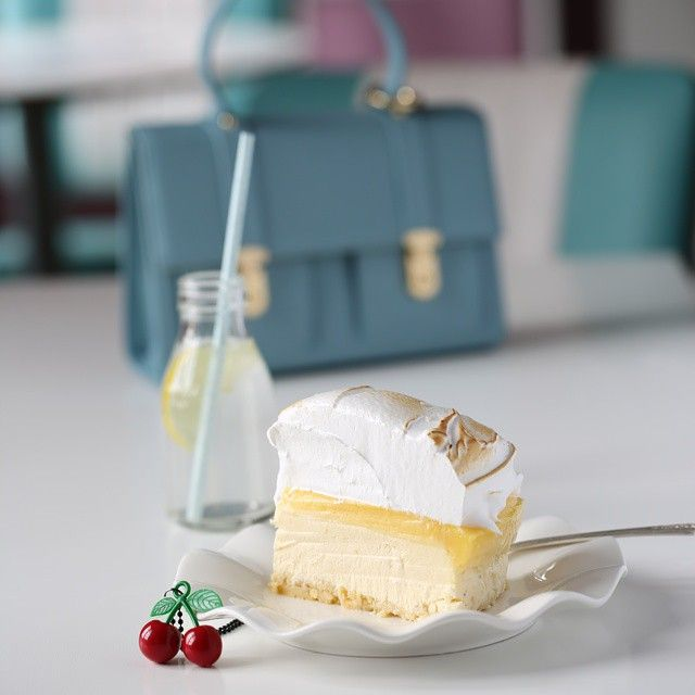 "Instagram media by passionforbaking - My favorite cheesecake.  Lemon meringues cheesecake. Recipe in my new Swedish book ""søte bakverk från Manuelas Diner "" @tukan_forlag #lemon #cheesecake"