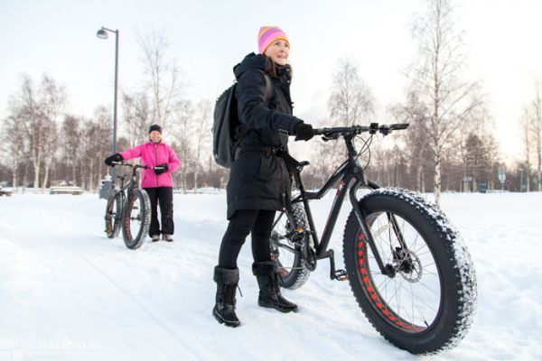 Photo: a Fatebikes Ride along the Nallikari Beach in Oulu, Northern Finland
