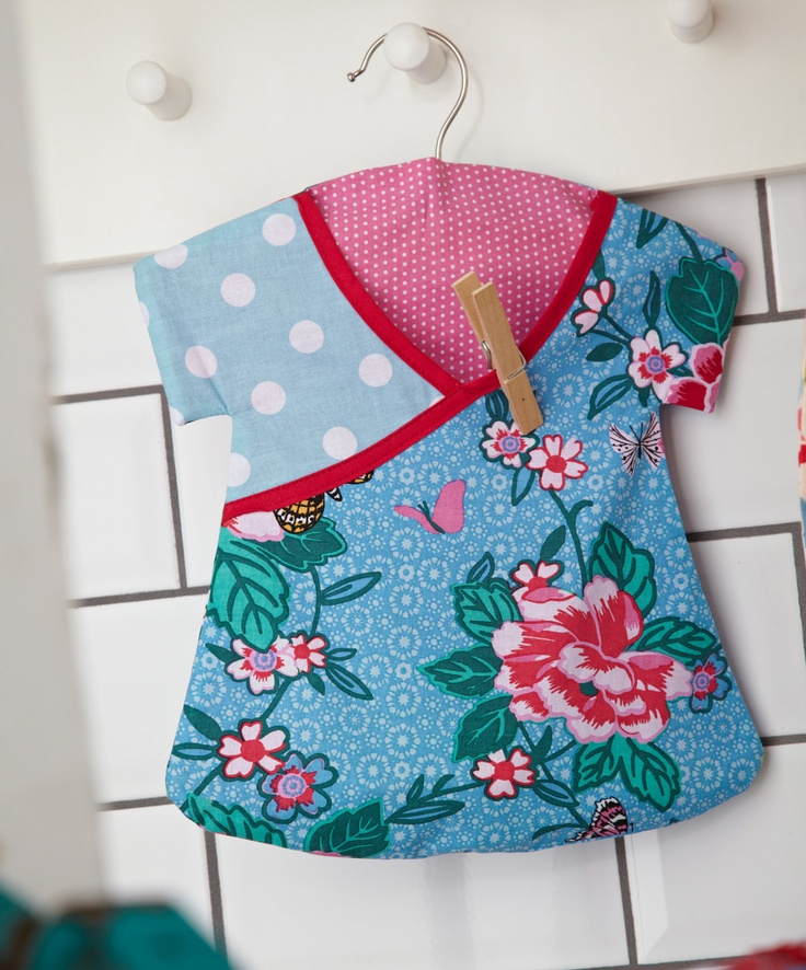 Clothes Peg Bag Retro Dress Shaped with by mountainlodge on love it!