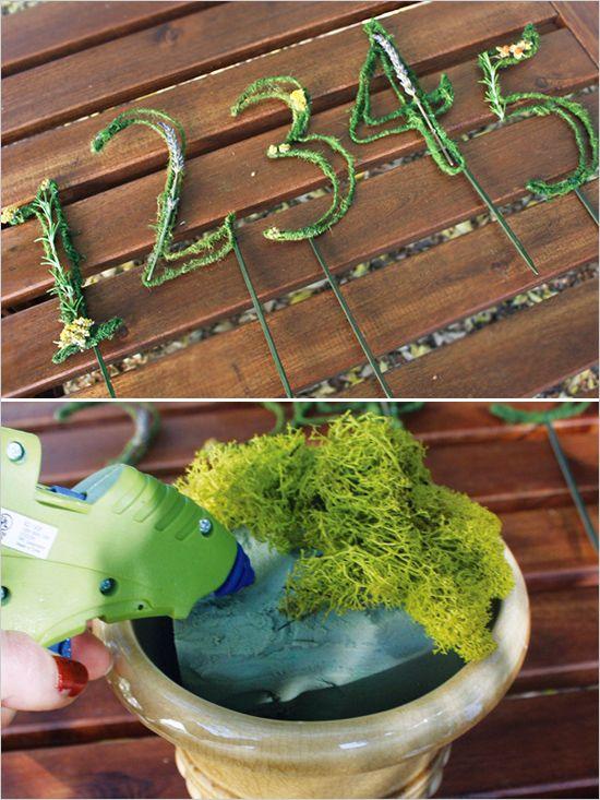 テーブルナンバーをDIY♡ オーガニックなグリーンモスと小花でつくるレシピ♩