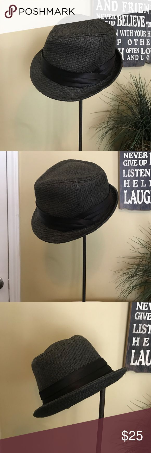 Black fedora hat Fedora hat. One size. Nice looking hat. Accessories Hats