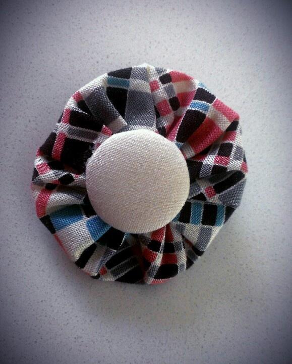 Fabric yoyo Hair Clip $5.00