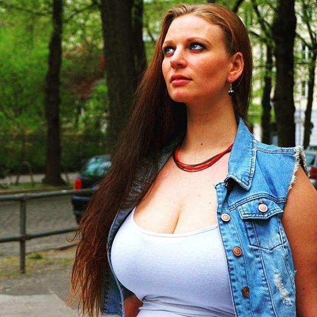 Curvy nackt laura berlin sva.wistron.com: over
