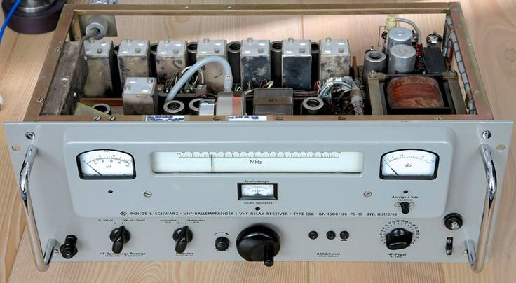 The legendary ROHDE & SCHWARZ BN 1508/2 FM tube receiver 82 -108 MHz. Probably the best tuner ever made.
