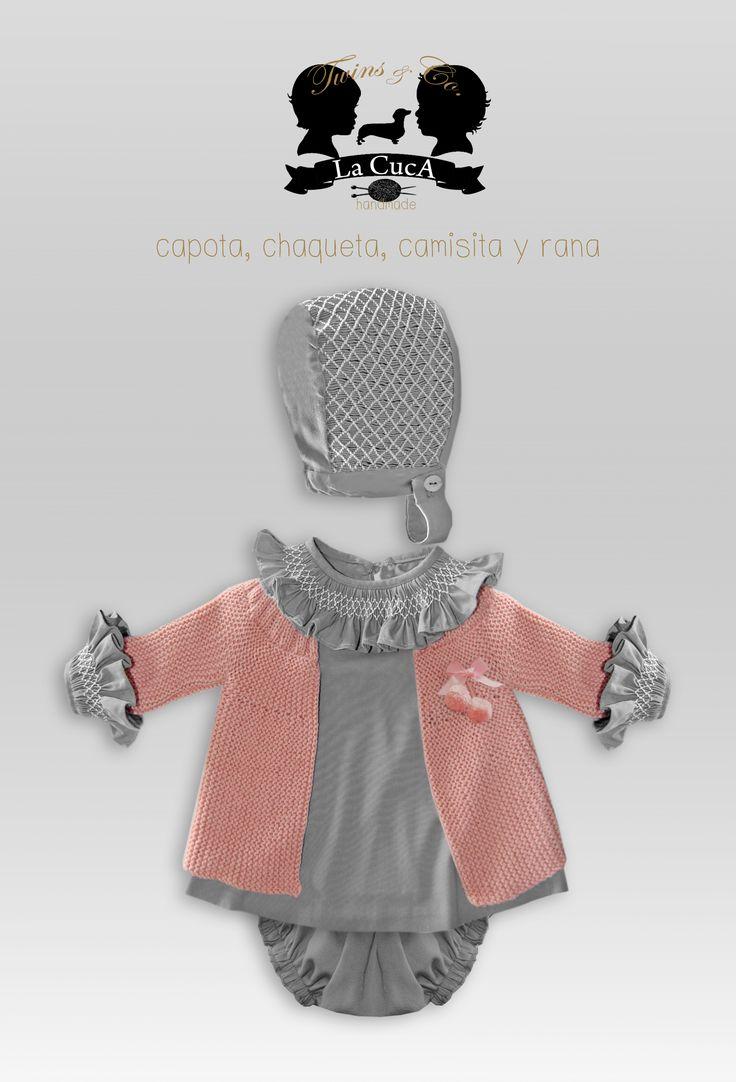 Nueva Colección Twins. Capota, camisa y rana en punto smock y chaqueta en lana todo hecho a mano.