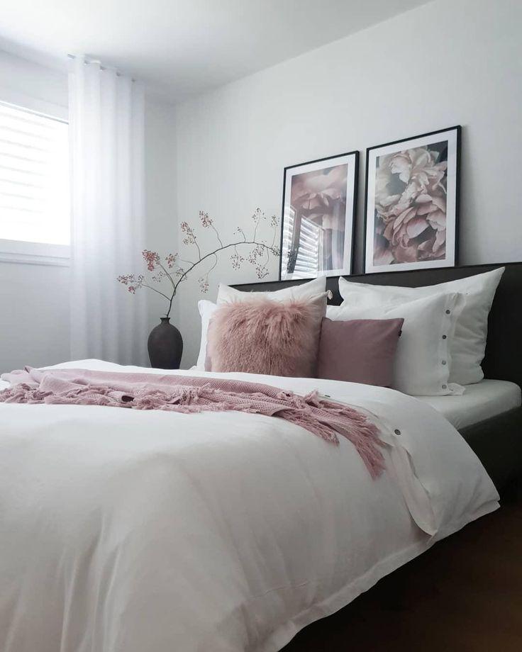 Sweet Dream! In diesem wunderschönen Schlafzimmer sorgen Accessoires in zartem …