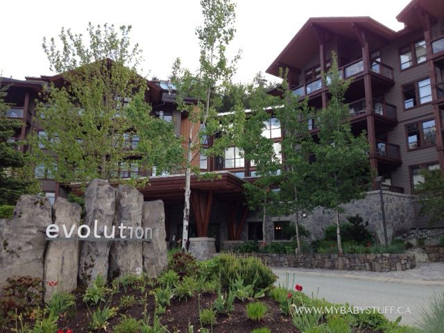 Evolution Whistler is a modern luxury hotel located in Whistler, BC. Learn more about this hotel now on the blog.