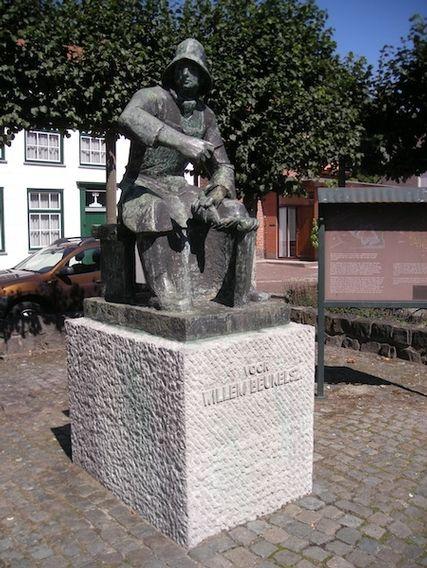 Standbeeld de Haringkaker . Jan Willem Beukelszoon!