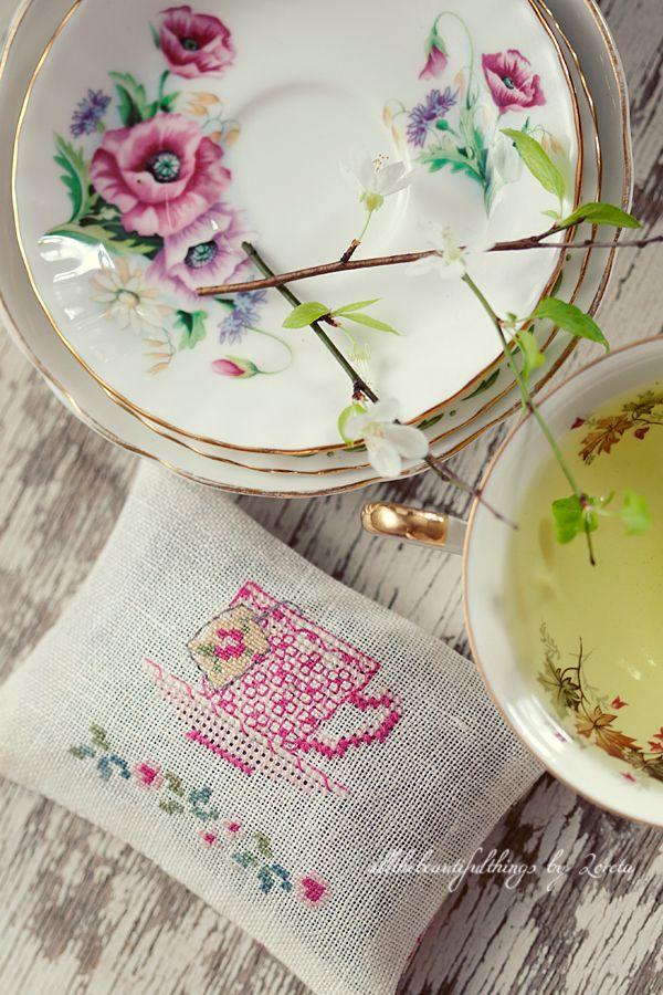 Tea Time (Veronique Enginger)