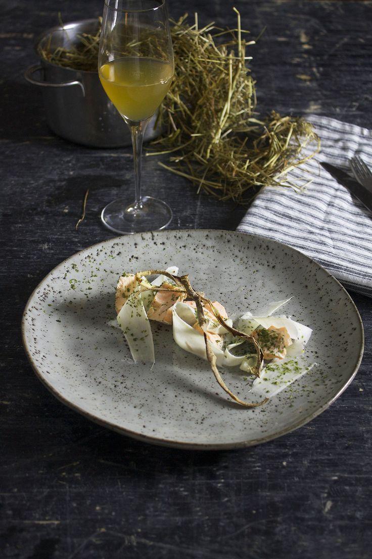 Hødampet ørred // trout baked in hay