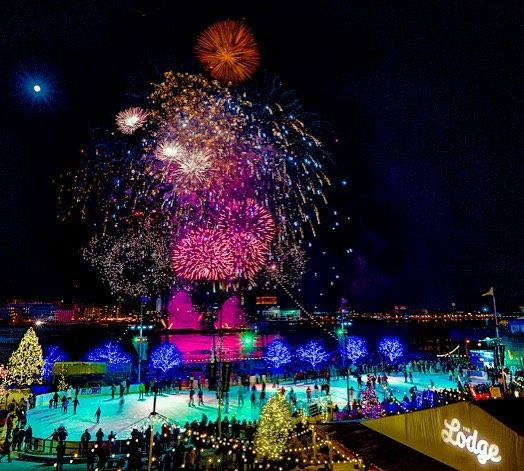 Early Edition . 6 pm fireworks at WinterFest #visitphilly #sugarhouse #winterfest #philly #philadelphia #pennslanding #fireworks #2018 #nye #nye2017 #sugarhousecasino #phillylovenotes #bluecrossriverrink #igers_philly #igers_usa #phillygram #timeoutphilly #centercity #iceskating @visitphilly #sony #sonyalpha #sonya9 #sony1635mm