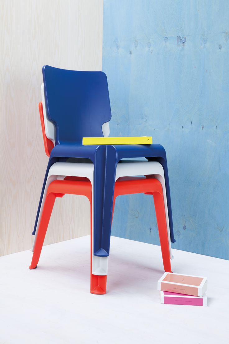 #WAIT This minimalist plastic chair with comfortable chair back captivates with its classic shape.  It is lightweight, durable and virtually limitlessly stackable. Perfect for garden, dining room, children's room everywhere that you would like to quickly and easily offer guests a sturdy chair!  #SoeursBenis #OnlineStore #Chair #Garden #DiningRoom #Kids #Home #Family