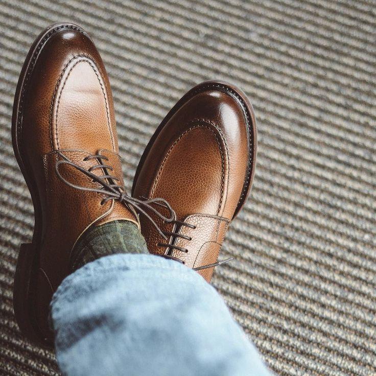Maiden voyage on the @berwick1707_official via @leather sole u-tip in country calf. This pair is on a very comfortable last for my foot and Im enjoying the Dainite soles. Paired with @nordstrom socks and @orslow 3 year wash denim. . . . #berwick1707 #dailylast #goodyearwelt #rakish #rakishgent #classicmenswear #stylishmen #menstailoring #stylishgent #madetobeworn #styleforum #mensshoes #mnswr #shoeshine #shineyourshoes #shoegazing #ptoman #shoegazingblog #shoesoftheday #shoestagram…
