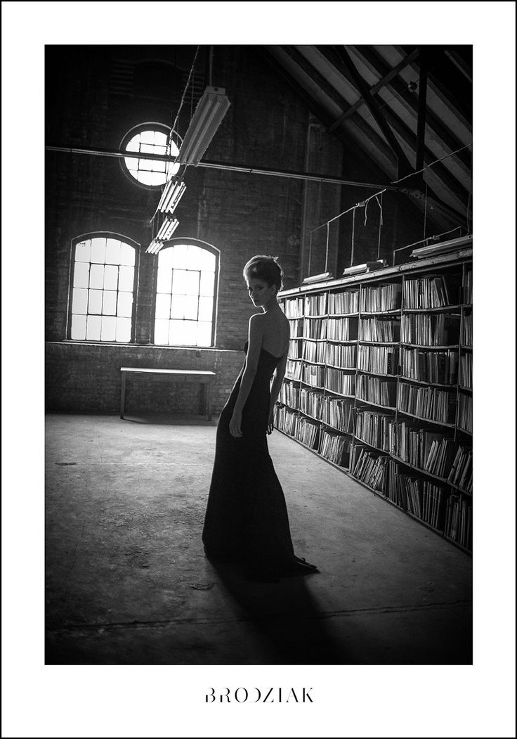 Szymon Brodziak, Biblioteka  #photoinspirations #artisticphotography #artmarket #limitededition #artistoftheday #photography #fineart #collectorsphotography #buyart  #black&white #woman #library