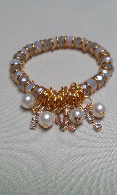 Pulsera de cristal con perlas